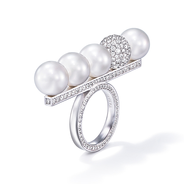 balance signature decade pearls & diamonds Ring